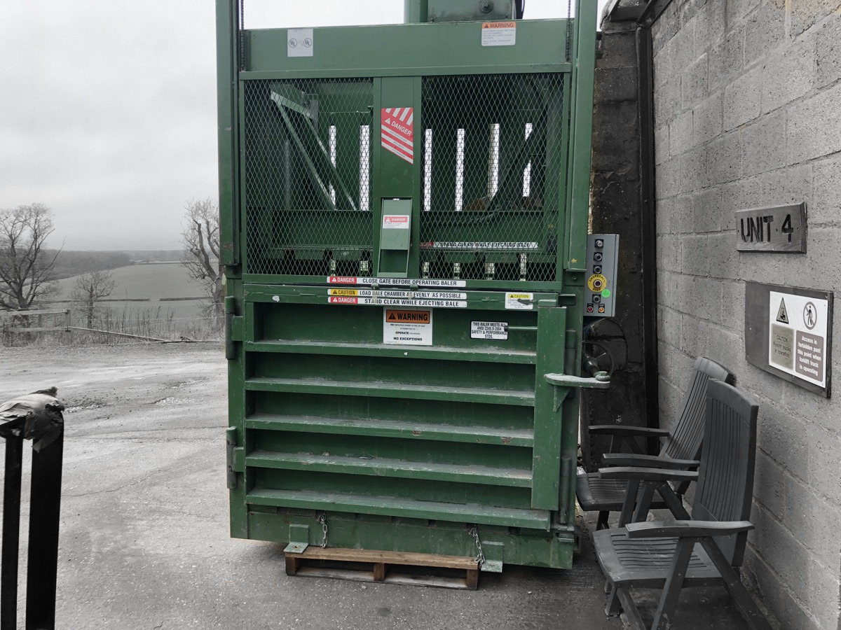 PTR 3400 BALER Vertical -